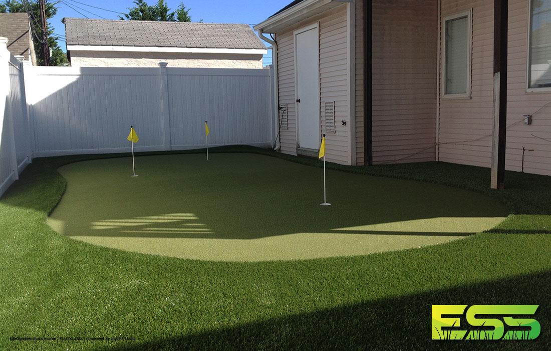 backyard-putting-green-synthetic-turf-1.jpg