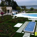 outdoor-pool-residential-synthetic-turf-4.jpg