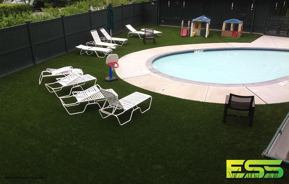 residential-pool-synthetic-turf-2.jpg