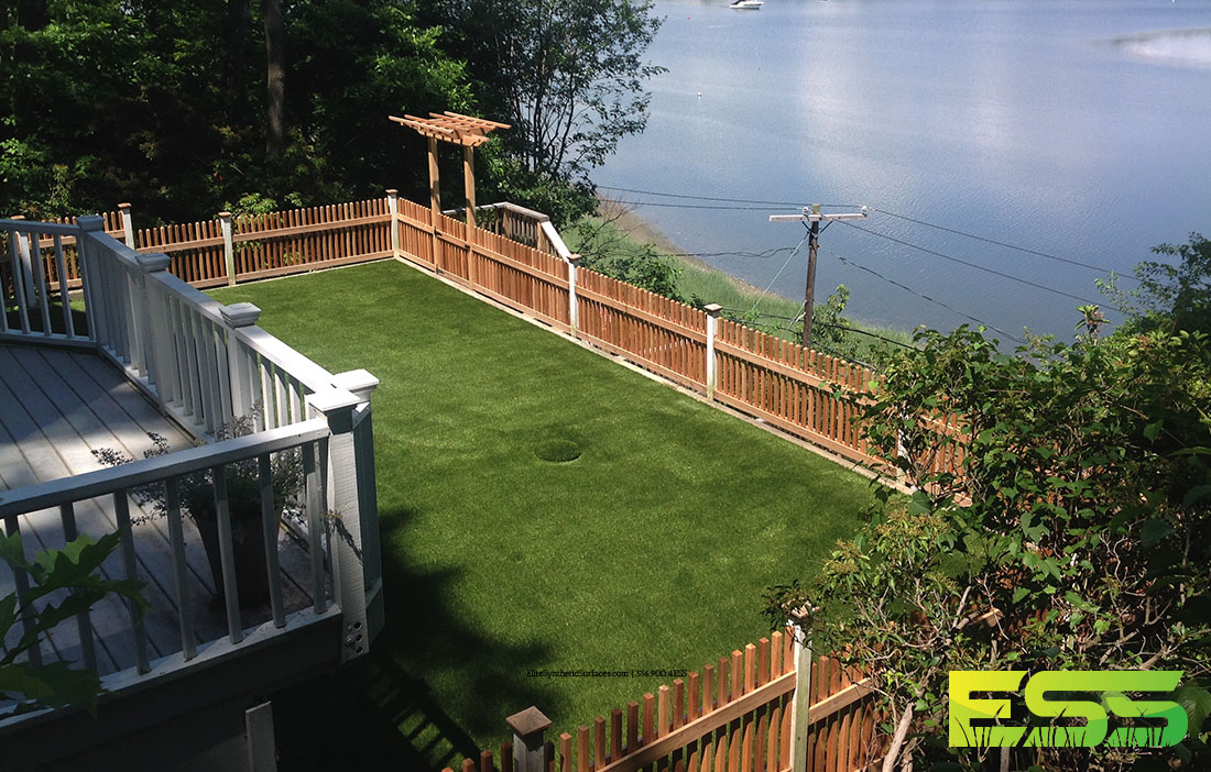 Outdoor_Residential_Synthetic_Turf_2.jpg