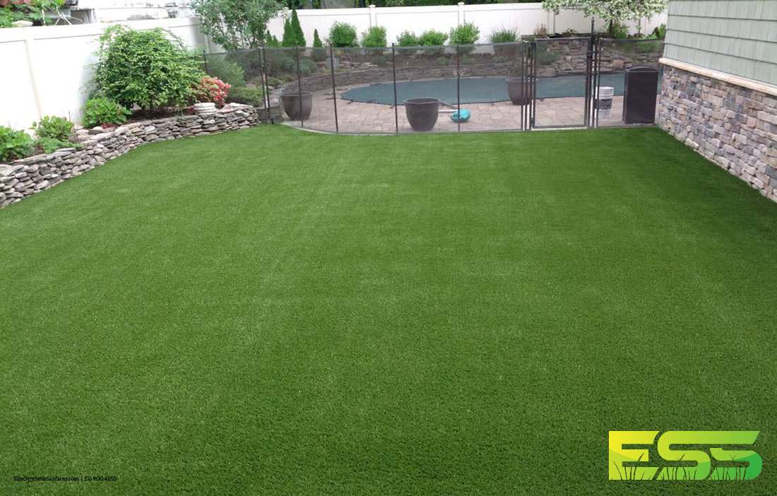Outdoor_Residential_Synthetic_Turf_5.jpg