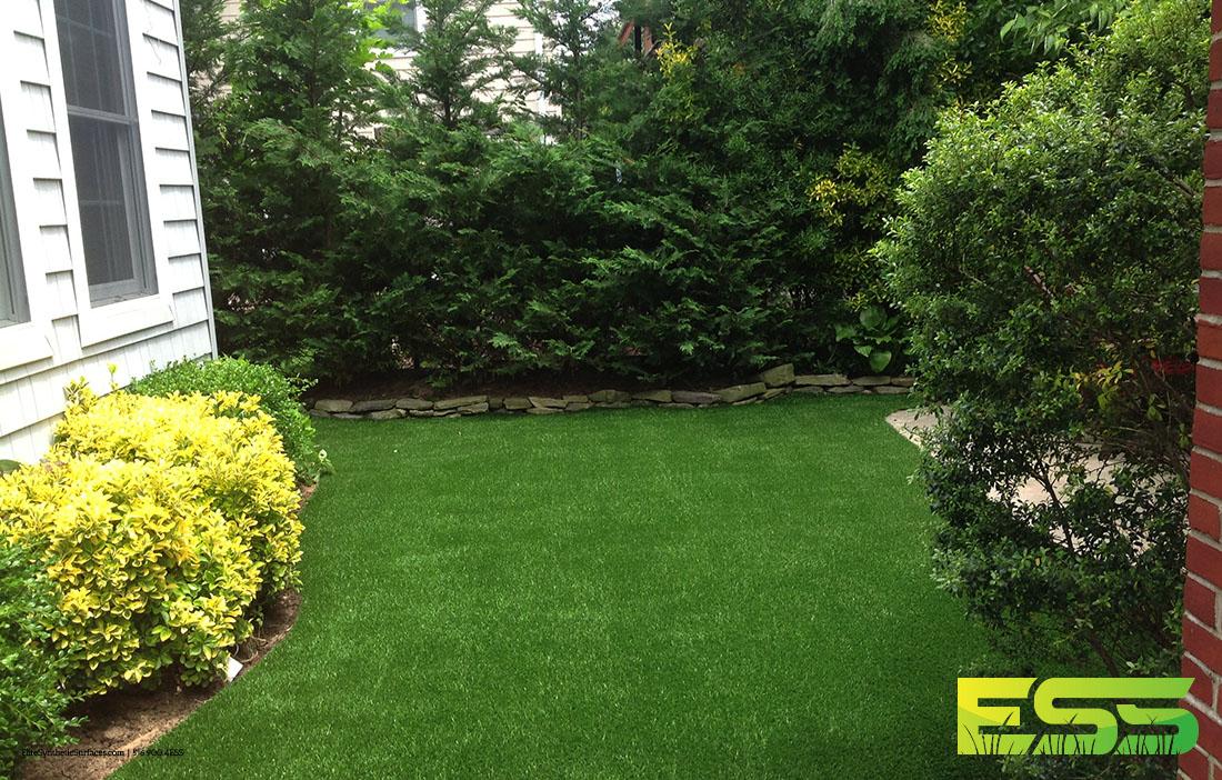 backyard-residential-synthetic-turf-2.jpg