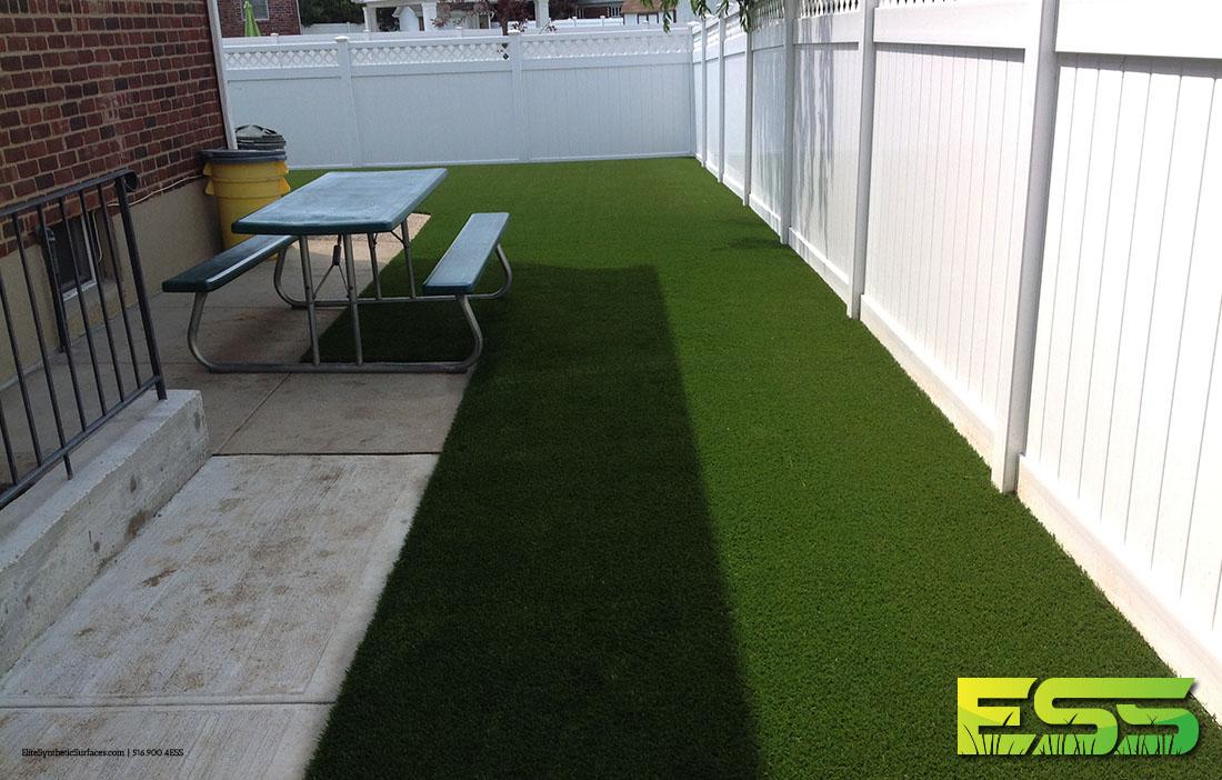 backyard-synthetic-turf-14.jpg