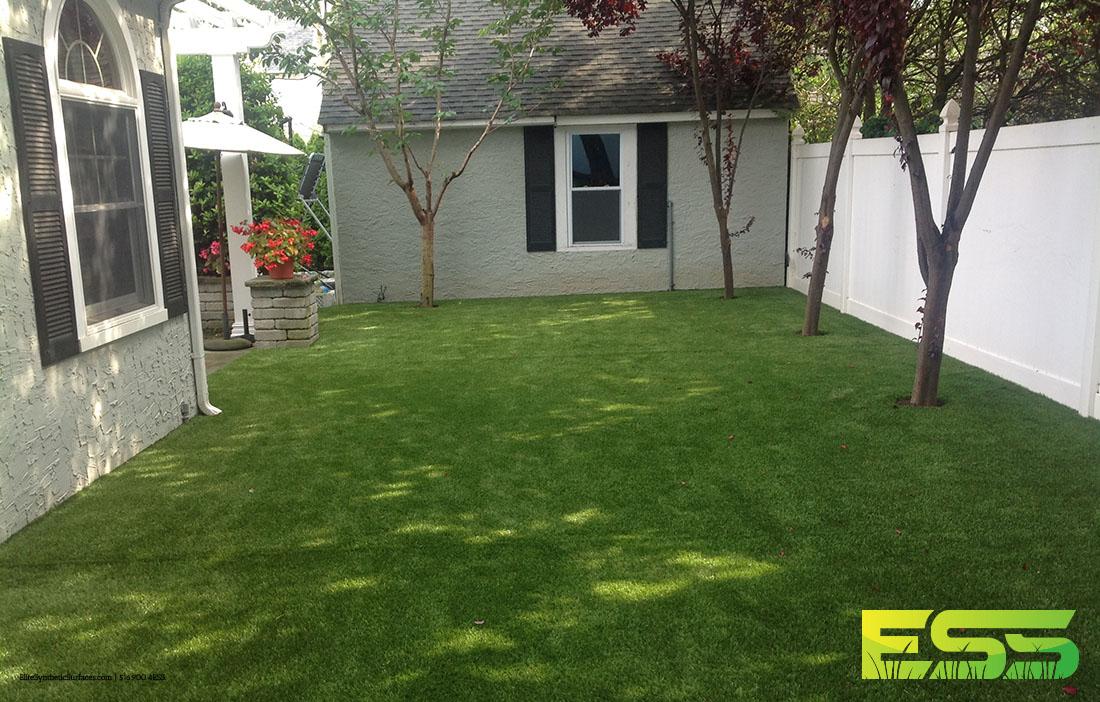 lawn-synthetic-backyard-turf-4.jpg