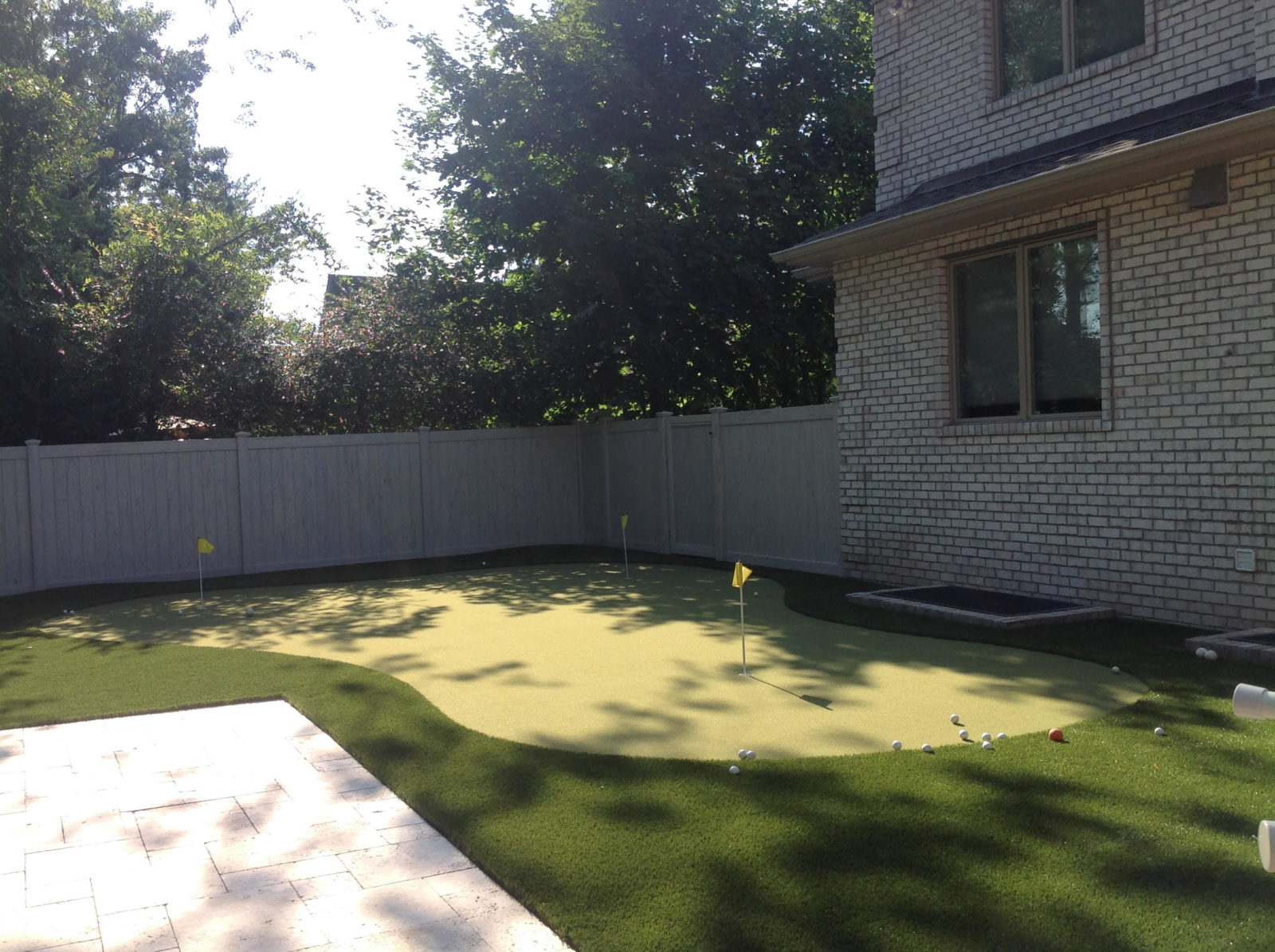 how to build a synthetic putting green